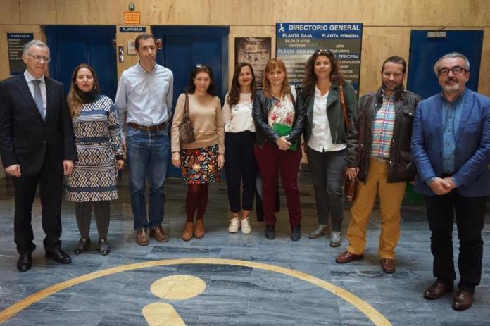 Los colegios 'La Axarquía' de Vélez-Málaga, 'Luis Cernuda' de Campanillas y 'Daidín' de Benahavís han sido seleccionados hoy como ganadores de Málaga en la 35 edición del Concurso Escolar del Grupo Social ONCE.