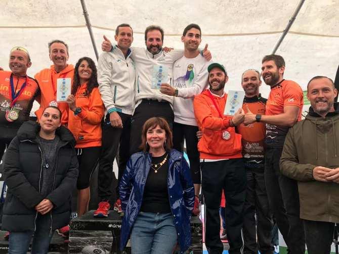 Más de 700 deportistas participan en el XXVII Triatlón de Torre del Mar