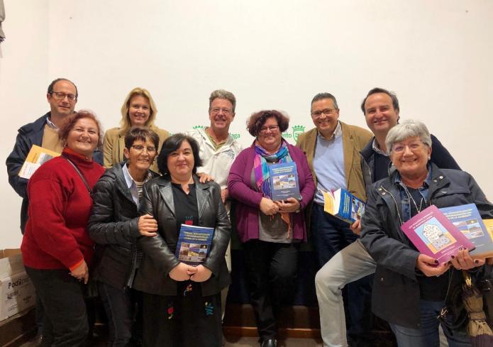 Presentado el libro 'Turismo, mercantilización y desnaturalización del litoral de la Axarquía'