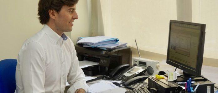 El candidato por el PP de Málaga al Congreso de los Diputados Pablo Montesinos. /Populares Málaga.