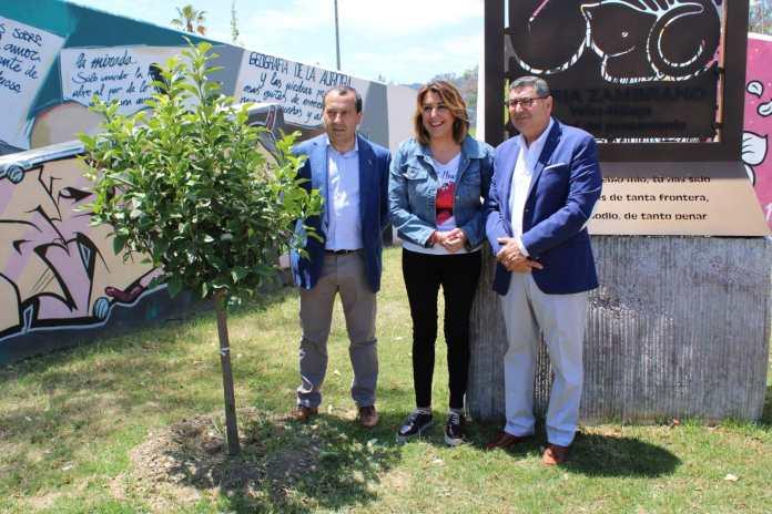 Susana Díaz destaca que Moreno Ferrer ha conseguido situar a Vélez como una referencia en Málaga, Andalucía y España