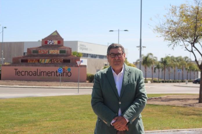 El alcalde de Vélez-Málaga, Antonio Moreno Ferrer,