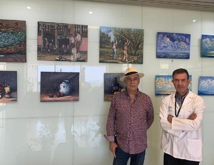 El pintor torreño Miguel Segura expone en el Hospital Comarcal de la Axarquía su obra 'Antología'
