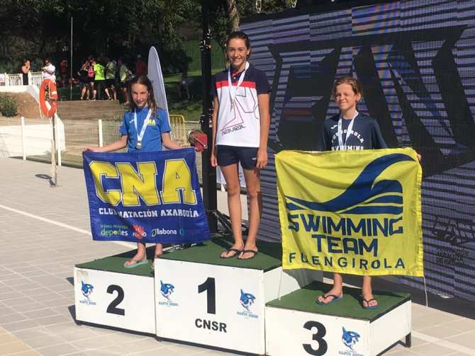 Carla Fernández y Carla España, del CNA, sobresalen en el Campeonato Andalucía Jóvenes Nadadores