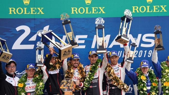 Alonso y sus compañeros volvieron a ganar la prestigiosa prueba francesa por delante del otro coche de la escudería japonesa.