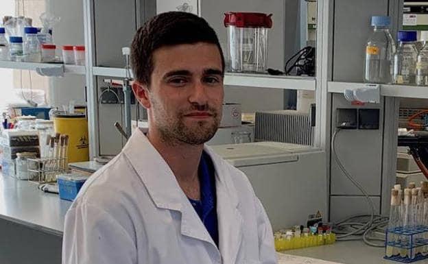 El veleño José Carlos Reina, alumno de Farmacia en la Universidad de Granada, ha obtenido un total de 42 matrículas de honor, tres sobresalientes y un notable.