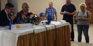 Moreno Ferrer y Atencia han presentado el acuerdo esta mañana en en el Salón BQ de Torre del Mar.