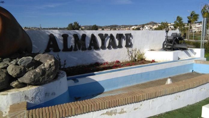 Almayate incorpora 72 metros de protecciones de seguridad en el Carril de los Corregidores