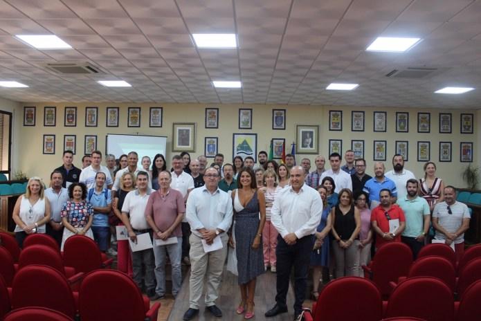 Nuria Rodríguez  traslada a empresarios y responsables municipales de la Axarquía las oportunidades de las nuevas ayudas de Turismo para desarrollar proyectos en la comarca