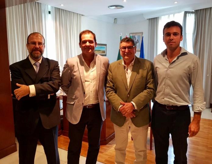Moreno Ferrer trabaja para impulsar el desarrollo urbanístico de Vélez-Málaga