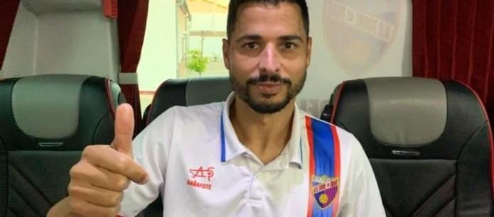 Emilio Guerra debuta con doblete en la Unión Deportiva Torre del Mar