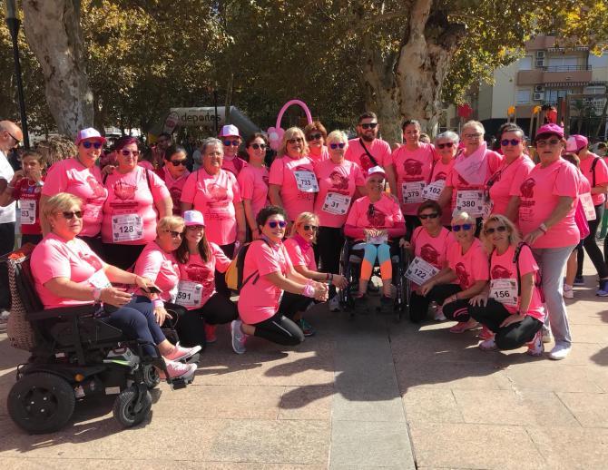 La Axarquía se tiñe de rosa y se vuelca con la Asociación Esperanza Contra el Cáncer de Mama