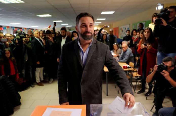 Abascal pide a los ciudadanos «resolver las diferencias» acudiendo a votar