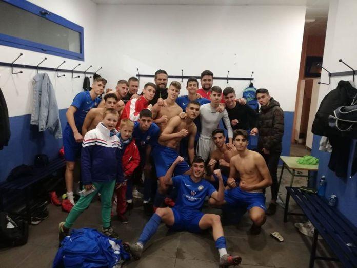Gran victoria y partidazo de los juveniles del Vélez C.F. en casa