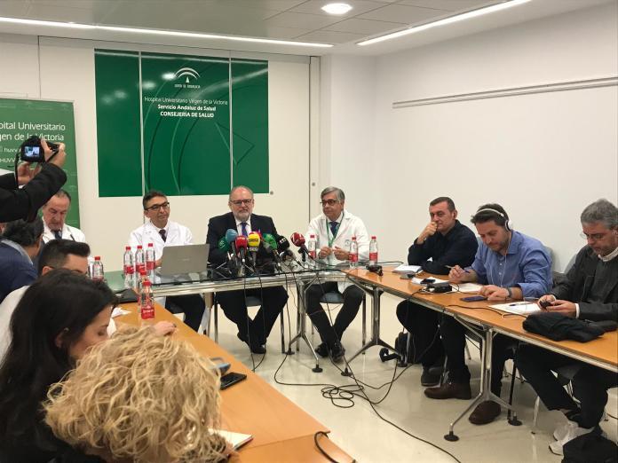 El gerente ha estado acompañado por el portavoz del Plan, el médico internista cordobés José López Miranda.