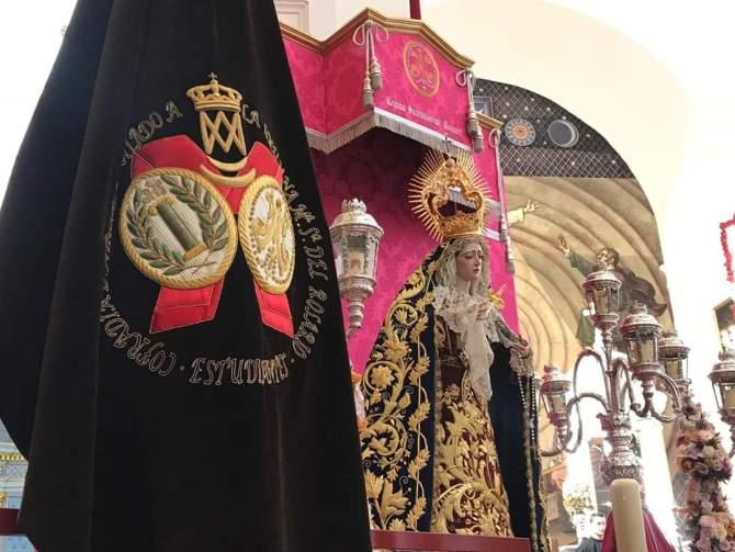 La Cofradía de Los Estudiantes de Vélez-Málaga bendice a su Virgen del Rosario