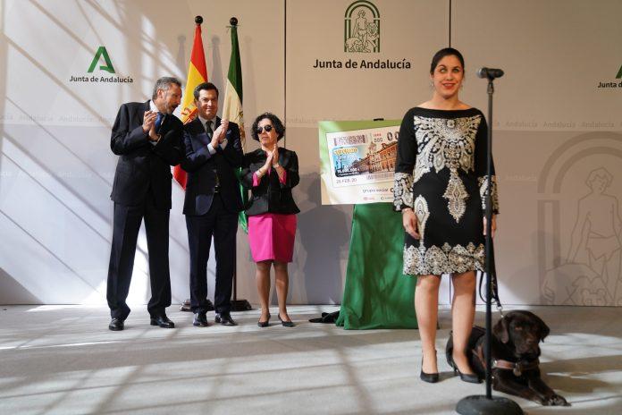 Moreno presenta en San Telmo el 'Cuponazo' con el que la ONCE conmemora el 28 de Febrero