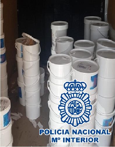 La Policía Nacional detiene a 24 miembros de dos organizaciones criminales e intervienen 15.737 kilos de tabaco en hoja a granel y picaduras