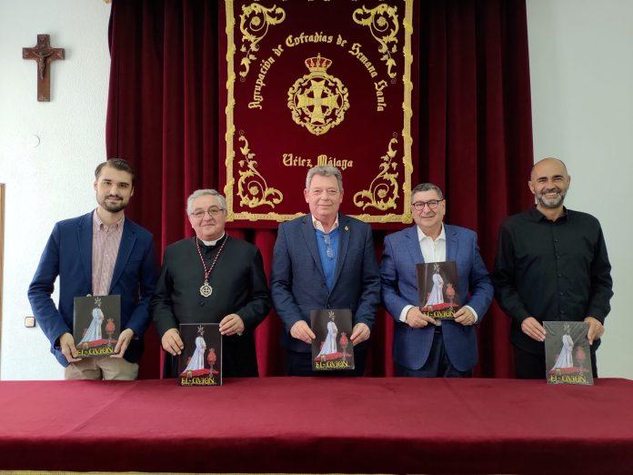 Vélez-Málaga presenta una nueva edición del libro cofrade 'El Guión'