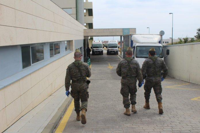 La Legión colabora en la reordenación del Hospital de la Axarquía para hacer frente al coronavirus