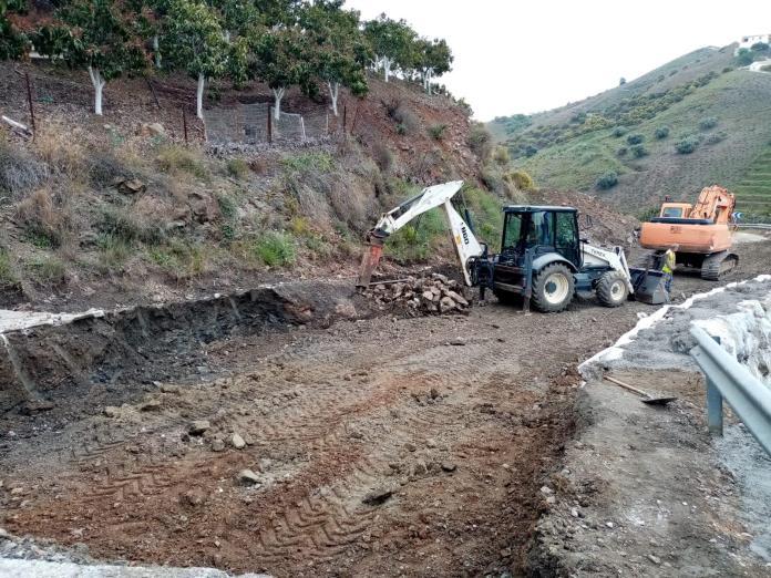 Concluye la reparación del hundimiento de la carretera entre El Borge y Almáchar