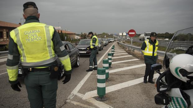 Detenido un joven sin antecedentes en Almuñécar por incumplir cinco veces el confinamiento