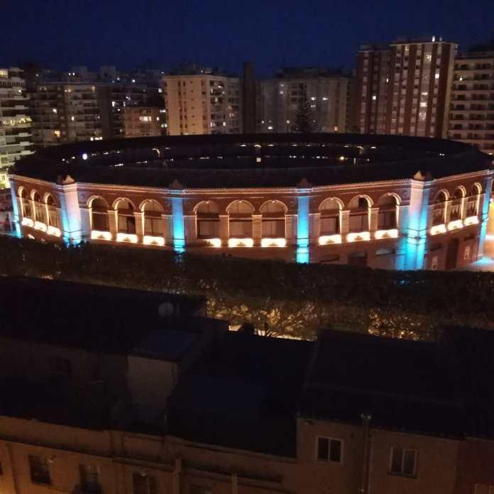 La plaza de toros de La Malagueta se iluminará hoy de azul con motivo del Día Internacional de la Enfermería