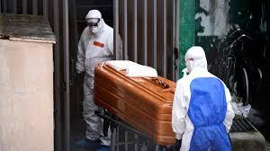 Los fallecidos diarios por coronavirus bajan en España hasta los 143, la cifra más baja desde el 18 de marzo