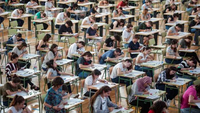 La Prueba de Acceso a la Universidad se realizará en aulas con un tercio de capacidad y mascarillas