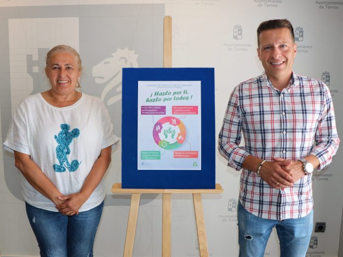 """""""Hazlo por ti, hazlo por todos"""", campaña de limpieza en el municipio de Torrox"""