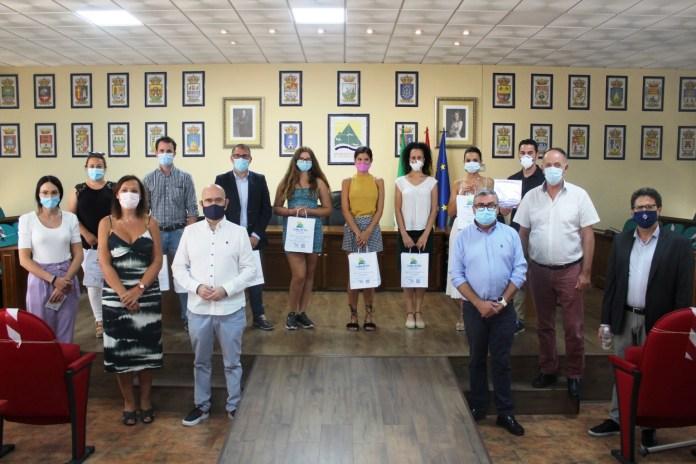La Fundación Cueva de Nerja, un taxi de Cómpeta y cuatro empresas turísticas se suman al Sistema de Calidad SICTED del destino Axarquía Costa del Sol