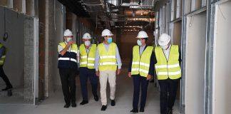 presidente andaluz ha detallado que esta iniciativa contempla un total de 672 obras en todas las provincias de la comunidad autónoma, de las cuales el 60% ya están iniciadas.