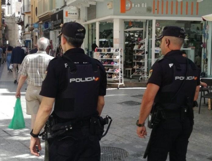 La Policía Nacional desmantela en Málaga un punto de venta al por menor de cocaína y heroína y detiene a una persona