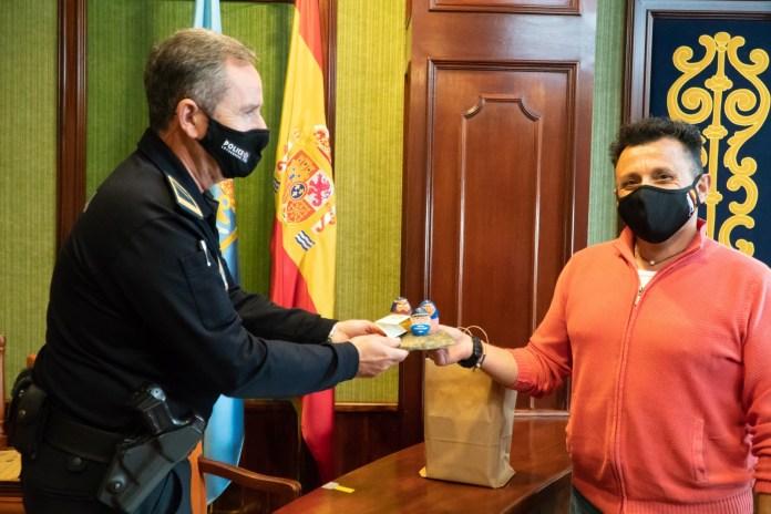 La Asociación Cultural de Belenistas de Córdoba reconoce la labor de Nerja en prevención del coronavirus
