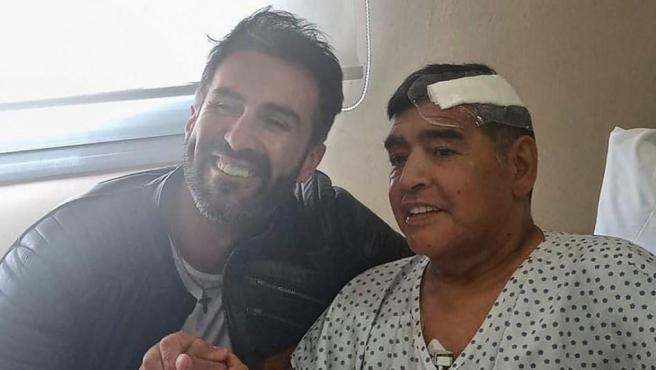 Se han filtrado unos audios a Infobae del médico de Maradona, Leopoldo Duque, momentos después de que se supiesen las primeras noticias de que podía morir.