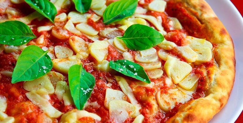 dominos pizza unsplash