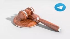 Mazo de Juez y logo de Telegram App