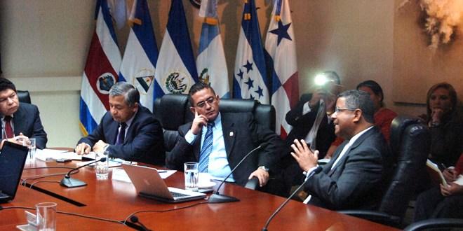 Flores pone a temblar relaciones  diplomáticas entre El Salvador y Taiwán