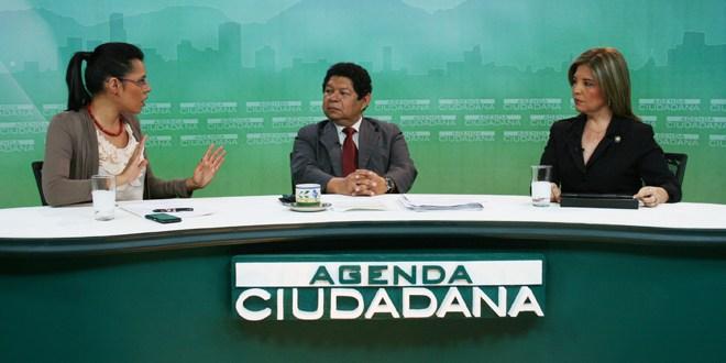 Diputados aseguran que viaje del ex presidente Flores genera incertidumbre