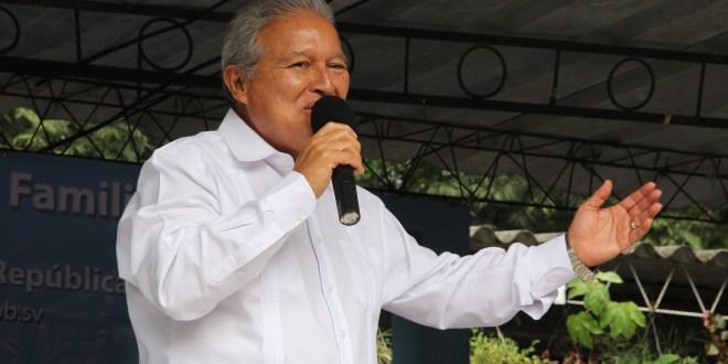 Sánchez Cerén se compromete a crear  la Universidad Pública en Tecnologías