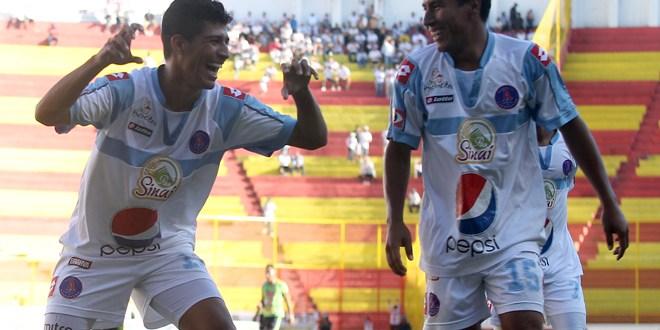 Alianza escuchará ofertas  por Sosa y Bonilla