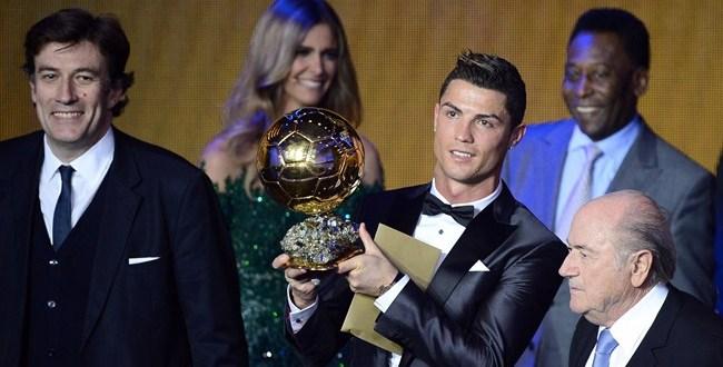 Cristiano Ronaldo recupera el cetro mundial y se reconcilia con FIFA