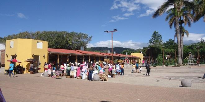 Sigue la discriminación de mujeres indígenas en Nahuizalco