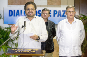 FARC retoma diálogo de paz con gobierno de Colombia criticando a Santos