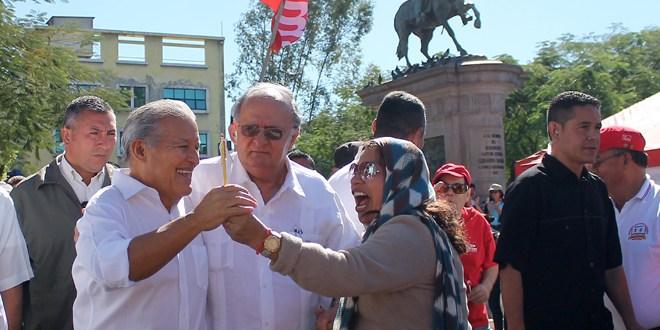 Docentes externan apoyo al FMLN