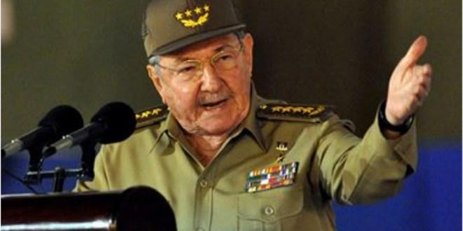 En el acto central por el 55 Aniversario del Triunfo  de La Revolución Cubana, celebrado en Santiago de Cuba