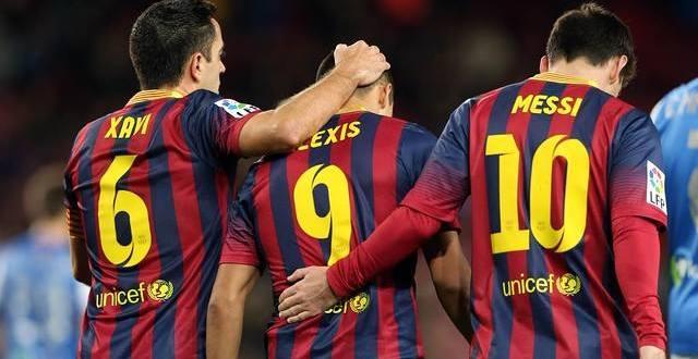 Barcelona vence 2-0 a Real Sociedad y atisba final con Real Madrid