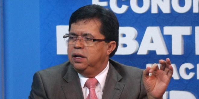 """""""Si ARENA quiere reivindicarse frente al pueblo salvadoreño, debe de entregar a Francisco Flores"""": Roberto Lorenzana"""