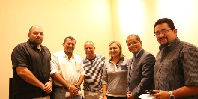 Ortiz busca apoyos territoriales
