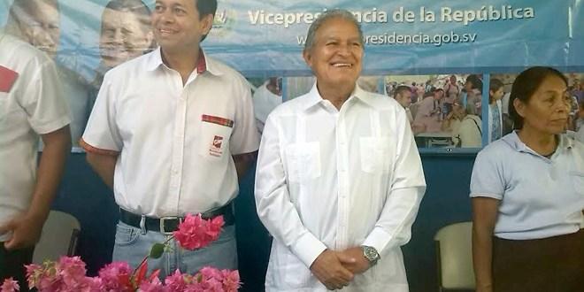 """""""Un país no puede pensar en desarrollarse si no piensa en las familias"""": Salvador Sánchez Cerén"""
